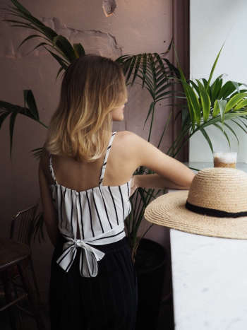 STRIPED TOP WHITE - Lamar Store